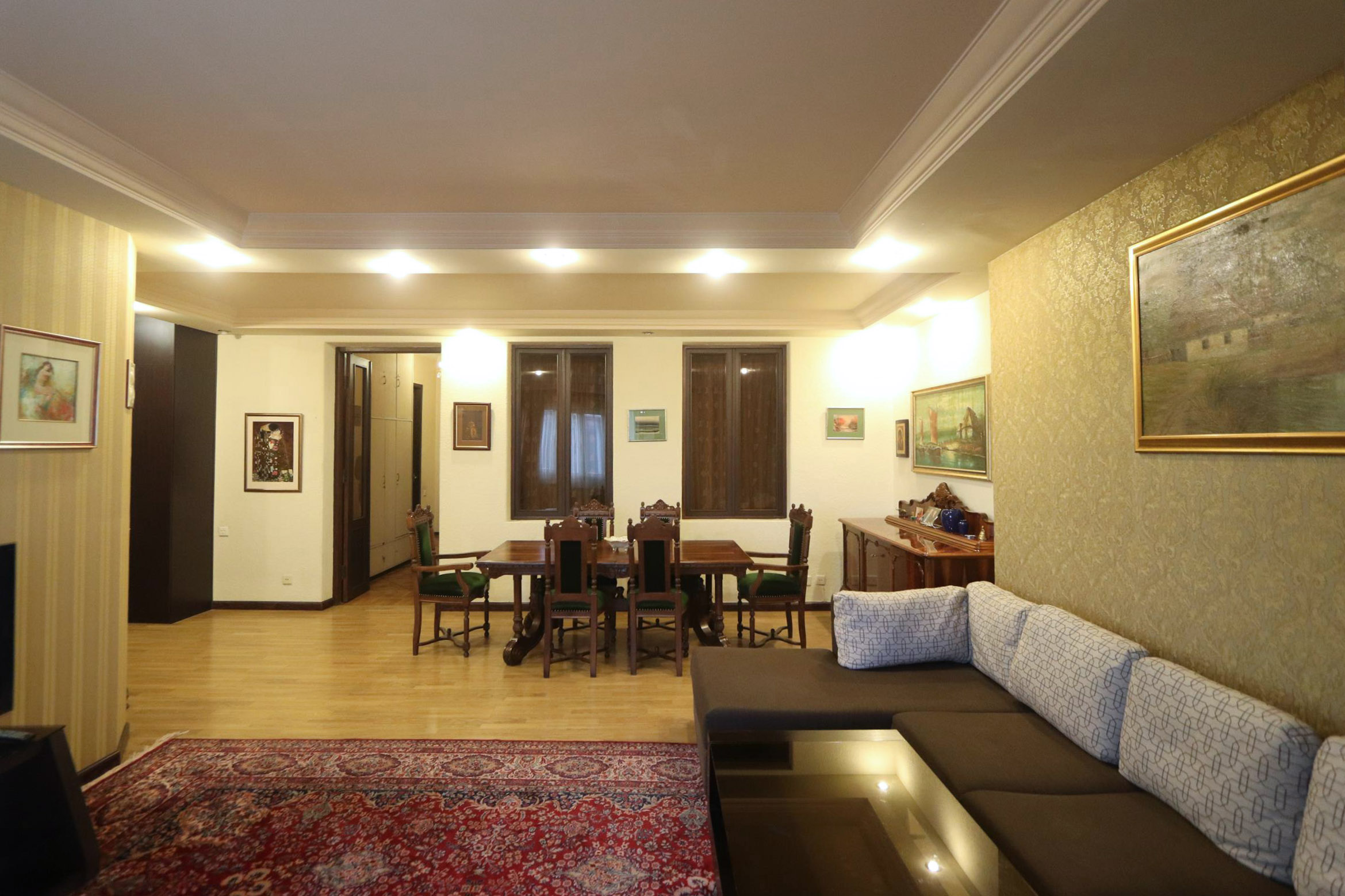 6br1ba-house-in-a-3-story-building-on-the-2nd-floor-in-yerevan